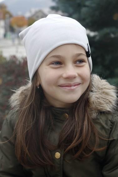 Detská zamatová čiapka - strieborná