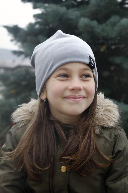 Detská zamatová čiapka - šedá