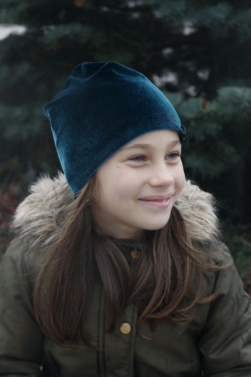 Detská zamatová čiapka - smaragd